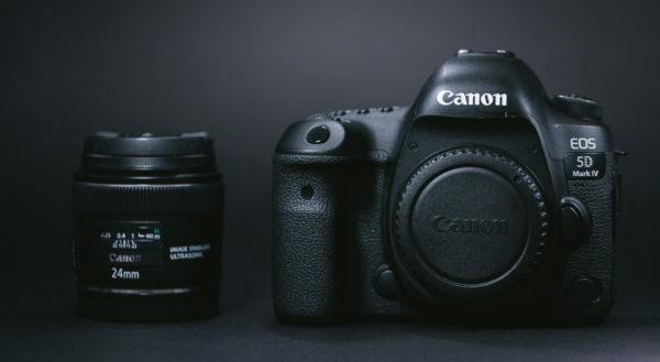 カメラやレンズを購入するお金を稼げる